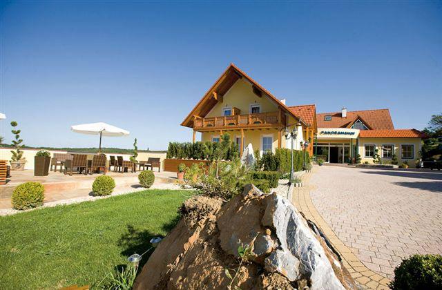 Hotel Panoramahof Loipersdorf #2